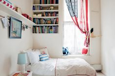 Add a patriotic note to a summer bedroom with a vintage (or new) American flag. New Jersey-based family-owned Annin Flagmakers has been making flags since American Flag Decor, Summer Bedroom, Blue Bedroom, Sweet Home, Small Rooms, Small Space, My New Room, Window Treatments, Window Coverings