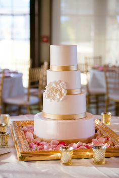 Gold and white red velvet wedding cake by Ella's Cakes | Photo: Set Free Photography
