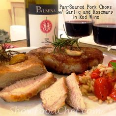 ShowFood Chef: Pan-Seared Pork Chops with Garlic & Rosemary in Re...