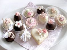 Sweet Bar, Czech Recipes, Oreo Cupcakes, Wedding Sweets, Mini Cakes, Macaroons, Yummy Cakes, Afternoon Tea, Cookie Decorating