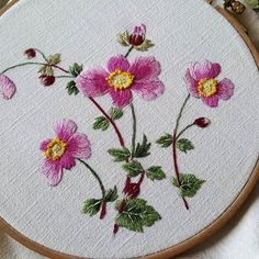 Embroidery Patterns On Kurta Hand Embroidery Projects, Hand Embroidery Dress, Floral Embroidery Patterns, Japanese Embroidery, Silk Ribbon Embroidery, Crewel Embroidery, Hand Embroidery Designs, Cross Stitch Embroidery, Brazilian Embroidery