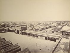 General view of the city of Delhi. Photographer: Samuel Bourne, 1865