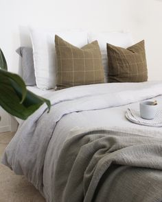 Made from pure flax linen this beautiful Dove Grey Linen is so cozy luxurious and warm. Linen Duvet, Linen Fabric, Best Linen Sheets, French Bed, Bed Linen Online, Good Sleep, Duvet Cover Sets, Dove Grey, Lithuania