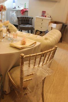 Chiavari chair with sash and charger plate