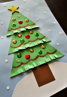 This section has a lot of Christmas tree craft ideas for kids, parents and preschool teachers. Teachers can use these Christmas tree crafts for kids. Christmas Trees For Kids, Christmas Crafts For Kids To Make, Christmas Tree Crafts, Gold Christmas Tree, Christmas Activities, Christmas Decor, Kindergarten Christmas, Xmax, Popular Crafts