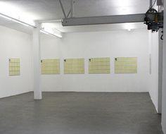 """Installationsansicht Konrad Fischer Galerie (Detail): Hanne Darboven """"Webstuhl posthum"""", 1997"""