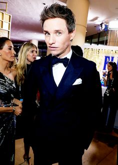 Eddie Redmayne Looking Sharp at the Golden Globes 2017. Pinned by @lilyriverside