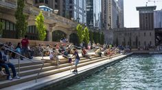 Chicago Riverwalk: A Guide to Getting Around