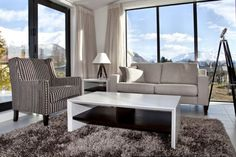 Tenby Wanaka Apartments are stylish 2 and 3 bedroom apartments located only 5 minutes walk from central Wanaka Neutral Bedrooms, Trendy Bedroom, Modern Bedroom, Cosy Bedroom, Blue Bedroom, Bedroom Decor, Pink Headboard, Side Tables Bedroom, White Rooms