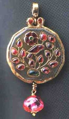 Royalty & their Jewelry - Pendent of Mughal Royalties