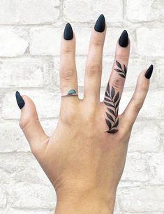 Inner Finger Tattoo, Hand And Finger Tattoos, Finger Tattoos For Couples, Cute Hand Tattoos, Finger Tattoo For Women, Small Hand Tattoos, Finger Tattoo Designs, Simple Finger Tattoo, Womens Finger Tattoos