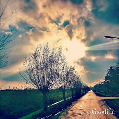 Morning peeps  --------------------------- #giantific #friday #tgif #sun #sky #clouds #sunrise #morning #country #goprohero #colorful #bright #light #winter #autumn ##dutch #nederland #holland #traveling #travelling#travel #traveltheworld#travelblogger #traveljunkie#gopro#goprooftheday #goprohero #sky_sultans#reizen #landscape