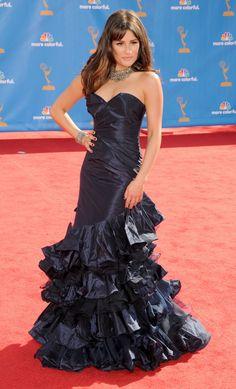 Pin for Later: Les Plus Beaux Looks de Tapis Rouge, Signés Oscar de la Renta Lea Michele Lea Michele était superbe dans cette robe Oscar de la Renta lors des Emmy Awards de 2010.