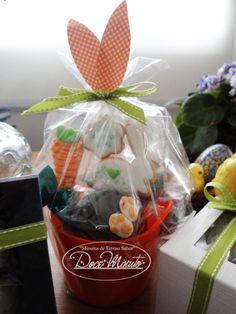 Variada seleção de nossos produtos e uma decoração lúdica alegra a criançada na Páscoa!