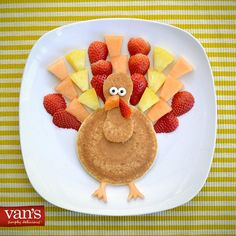 Superfoodsforsuperkids easy toddler meals, toddler food, kids me Funny Breakfast, Breakfast For Kids, Breakfast Ideas, Toddler Meals, Kids Meals, Toddler Food, Holiday Treats, Holiday Recipes, Pancake Art