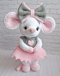 Diy Crafts - -Amigurumi-Rezepte - AmigurumiRezepte Amigurumi toy animal knitting models are both the most popular and one of the most knitted knit Bunny Crochet, Crochet Mouse, Crochet World, Free Crochet, Crochet Animal Patterns, Stuffed Animal Patterns, Crochet Patterns Amigurumi, Amigurumi Doll, Easy Knitting Projects