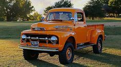 1952 Ford F2 Station Wagon, Ford Classic Cars, Classic Trucks, Old Pickup Trucks, Old Ford Trucks, 4x4 Trucks, Lifted Trucks, Custom Trucks, Antique Cars
