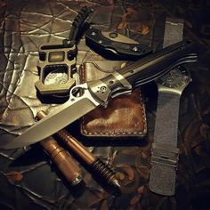 #EDC Cool Knives, Knives And Swords, Tactical Knives, Tactical Gear, Urban Carry, Edc Tools, Survival Tools, Types Of Knives, Glass Breaker