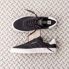 """EMPIRE Snowboard X Skate SHOP on Instagram  """"Clean   Classique. Le modèle  3MC Vulc de  adidasskateboarding est dans son élément sur un skate ou peu  importe ... b48670d9c"""