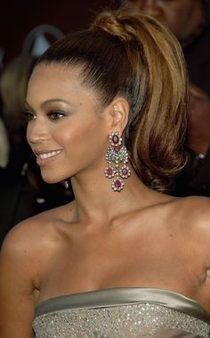 Pictures of Beyonce hairstyles, including updos, braids and long hairstyles: Beyonce's High Ponytail High Ponytail Hairstyles, Night Hairstyles, High Ponytails, Haircuts For Long Hair, Formal Hairstyles, Girl Hairstyles, Wedding Hairstyles, Beyonce Hairstyles, Beyonce Ponytail