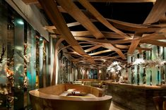 Ein Design vom Restaurant - Ikibana Paral Restaurant von El Equipo Creativo - http://wohnideenn.de/innendesign/07/design-vom-restaurant.html  #Innendesign
