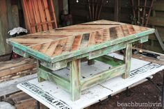 http://beachbumlivin.... Pallet Wood Coffee Table!!