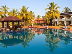 Hotel Holiday Inn in Goa. A luxury which comes at a very decent cost. Middle Class travelers can easily afford it and yet enjoy utmost luxury