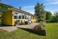 Villa til salg, Frederiksværk - Der er en fantastisk udsigt til Arresø fra…