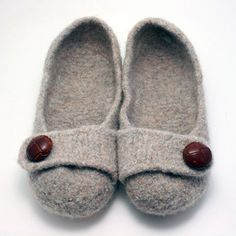 so cute. pattern for felted slippers.