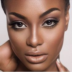 maquillage léger femme look naturel maquillage yeux noirs #makeupideaseveryday