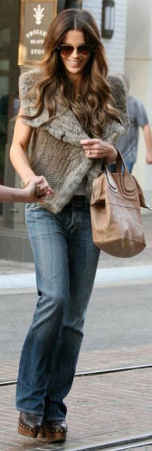 I want her hair and her bag...  (Givenchy)