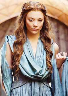 Natalie Dormer as Margaery Tyrell in Game of Thrones (TV Series, 2013).