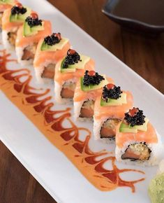 My future rolls Barca Sushi, Fried Sushi, Sushi Comida, Dessert Chef, Sushi Roll Recipes, Onigirazu, Sushi Platter, Sushi Night, Sushi Party