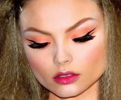 shape with eye liner