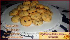 Il piacere di star bene... a tavola!: Biscotti al cocco con gocce di cioccolato