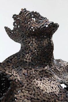 Des sculptures en chaines de vélo Photo