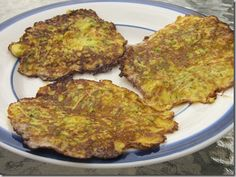 Zucchini Frittata Recipe This recipe is great for summertime when you have a lot of zucchini to use, and also a good way to get more eggs and veggies in your diet. Zucchini Frittata, Zucchini Tomato, Grilled Zucchini, Zucchini Side Dishes, Vegetable Dishes, Vegetable Recipes, Clean Recipes, Real Food Recipes, Healthy Recipes