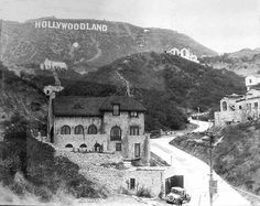 counterforce:bebelestrange: The Hollywood sign seen in its original format - as an advert for a new housing development in Los Angeles, c. Hollywood Homes, Hollywood Sign, Hooray For Hollywood, Golden Age Of Hollywood, Vintage Hollywood, Classic Hollywood, Hollywood Party, California History, Vintage California