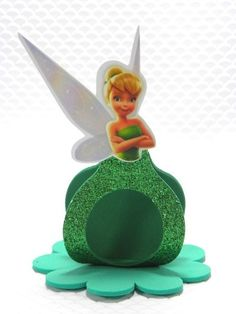imagenes de porta bombom de tinker bell - Buscar con Google Foam Crafts, Diy And Crafts, Crafts For Kids, Arts And Crafts, Paper Crafts, Tinkerbell Party, Peter Pan Disney, Unicorn Party, Birthday Party Decorations