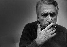 « La littérature ne permet pas de marcher, mais elle permet de respirer.  »  de Roland Barthes  Extrait du Qu'est-ce que la critique ?