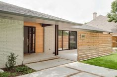 Modernity of a horizontal wood fence - Home Decorating Trends - Homedit