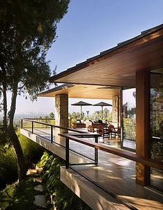 architectural-digest-via-elements-of-style  Jennifer Aniston's BH home
