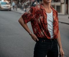 What are some great casual outfit for guys? Today we are talking all about casual outfit for guys and how you can wear them with a […] Mode Outfits, Casual Outfits, Fashion Outfits, Summer Outfits Men, Cochella Outfits, Summer Men, Fashion Hats, Dress Fashion, Casual Wear