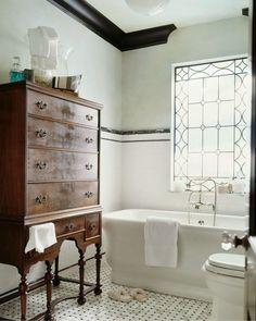 [Newest bathroom design] small vintage bathroom vintage yellow tile. Bad Inspiration, Bathroom Inspiration, Bathroom Furniture, Bathroom Interior, Antique Furniture, Reclaimed Furniture, Modern Furniture, Outdoor Furniture, Bathroom Cabinets