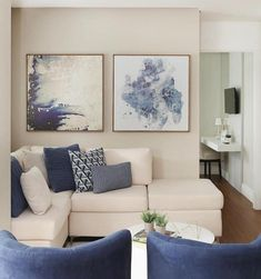 90 Cozy Apartment Living Room Decor Ideas – Home decoration ideas and garde ideas Small Apartment Living, Small Living Rooms, Home Living Room, Living Room Designs, Cozy Apartment, Small Dining, Apartment Furniture, Couch Furniture, Furniture Layout
