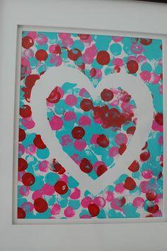 {Tutoriel} Un coeur (et aussi un arbre au feuillage en coeur)... sur le thème de la Saint Valentin réalisé avec des empreintes de doigt... cela convient aussi parfaitement pour une fête des mères ou des grands-mères... Maman-c-bo