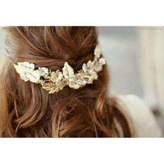 Isn't this pretty hair accessory?