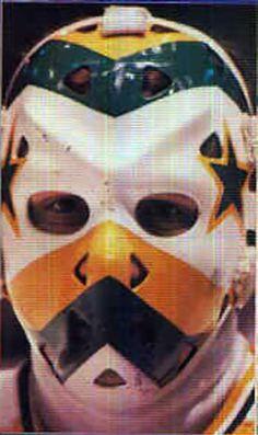 Gilles Meloche Pro Hockey, Hockey Goalie, Hockey Games, Minnesota North Stars, Cool Photos, My Photos, Goalie Mask, Masked Man, Masks Art