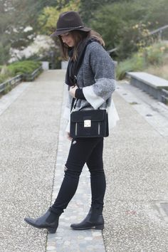 A special shoutout to Elza who paused with our grained suede cow leather AYANNA bag.   Very nice choice to accessorize her outfit of the day!  #katelee #style #chic #fashion #ayanna