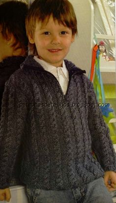 Pulóver con cierre para niño Crochet For Boys, Knitting For Kids, Free Knitting, Crochet Baby, Knit Crochet, Baby Knitting Patterns, Baby Patterns, Little Boy And Girl, Boys Sweaters